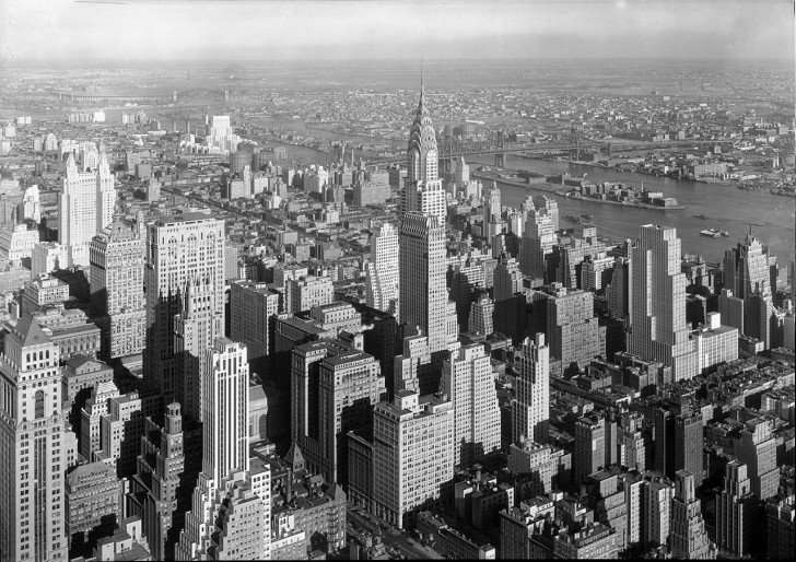 1280px-Chrysler_Building_Midtown_Manhattan_New_York_City_1932