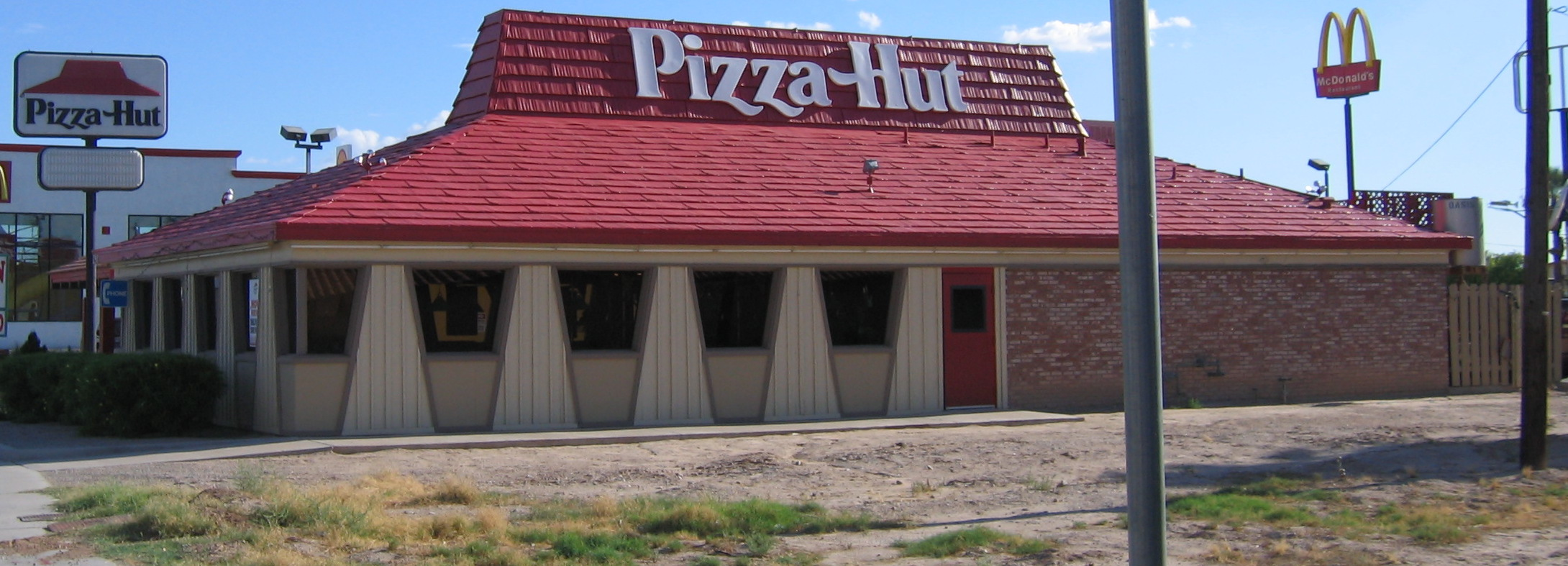 Pizza_Hut_Restaurant