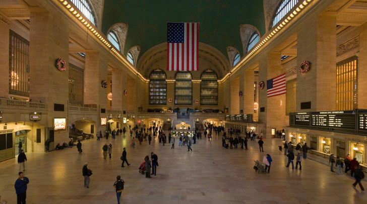Grand_Central_Station_Main_Concourse_Jan_2006