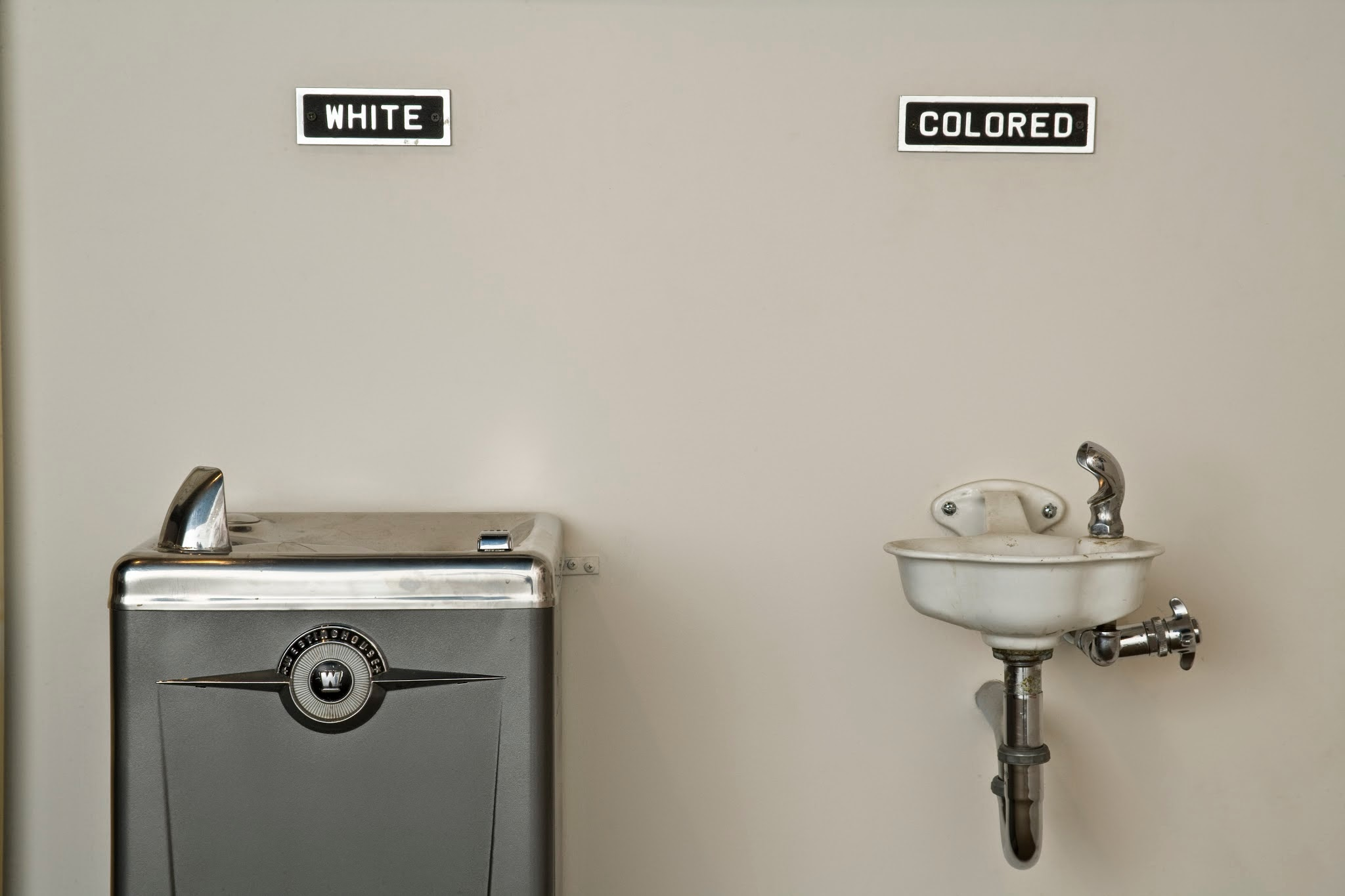1930 Bathroom Design Fountain Drinks 99 Invisible