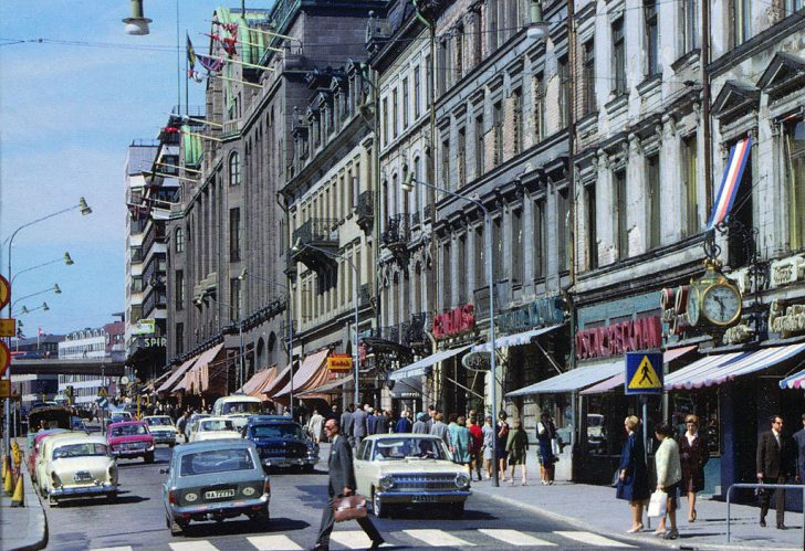 Left-hand traffic in Stockholm in 1966