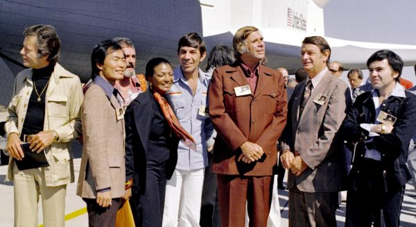Gene Roddenberry (third from the right) in 1976 with most of the cast of Star Trek at the rollout of the Space Shuttle Enterprise at the Rockwell International plant at Palmdale, California, USA
