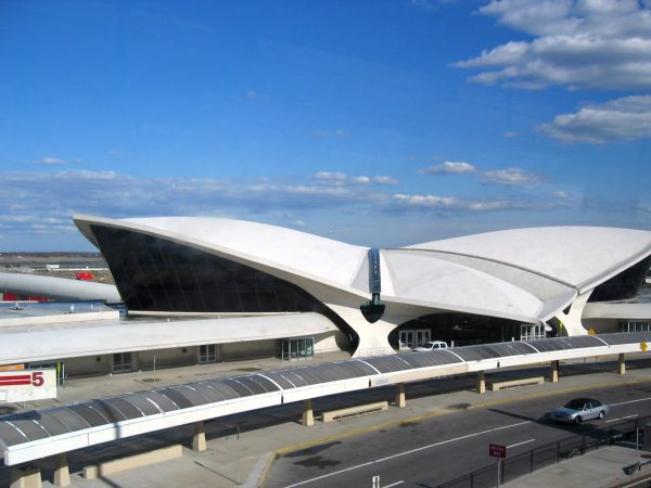 The TWA Flight Center building at John F. Kennedy International Airport, New York City, by Eero Saarinen, image by pheezy (CC BY 2.0)