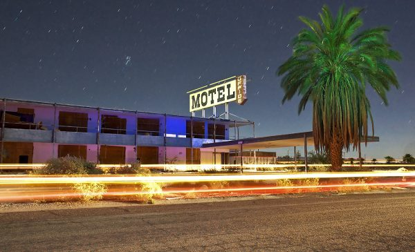 Abandoned motel by the Salton Sea by Dan Eckert (CC-BY-2.0)
