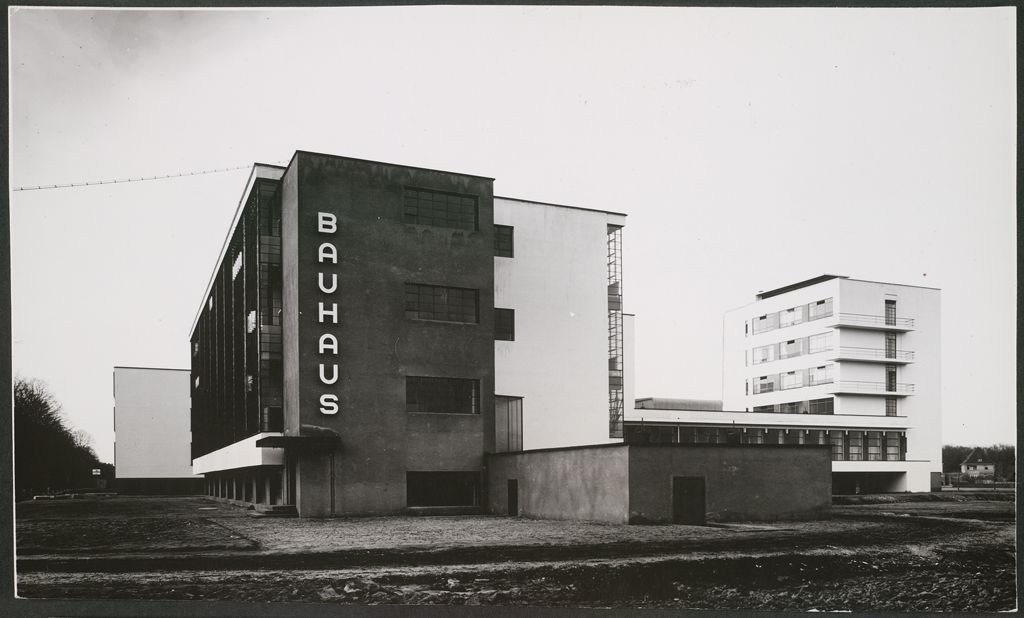 Photo credit negatives of the bauhaus 99 invisible for Architecture bauhaus