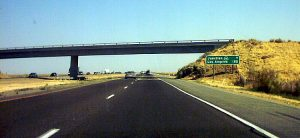 Interstate 5 in the Central Valley of California by Coolcaesar (CC BY-SA 3.0)