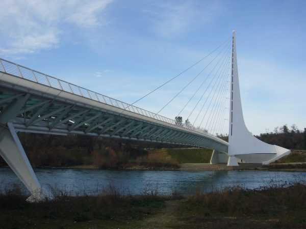 Sundial Bridge at Turtle Bay, Redding, California, USA by Chad K (CC BY 2.0)