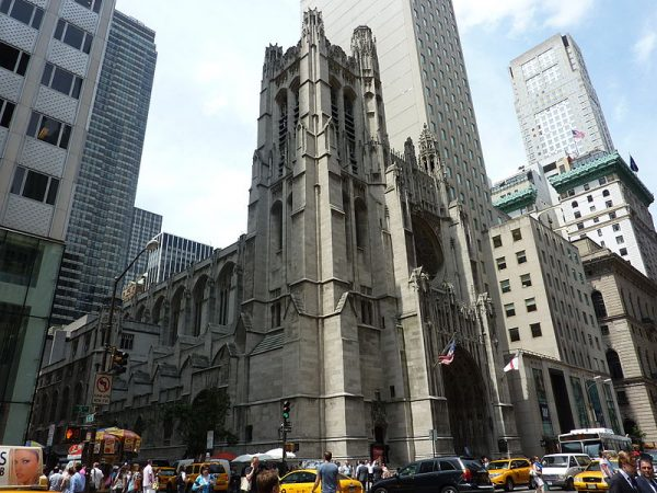 saint-thomas-church-exterior