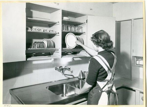 Finnish The Dishes: Simple Nordic Design Beats Dishwashers & Drying Racks