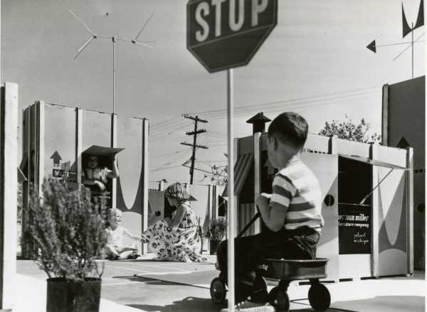 Cardboard Cities: The Eames Design that Turned Packages into Play Spaces for Kids [ARTICLE]